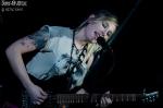 Mélanie (guitare, chant)