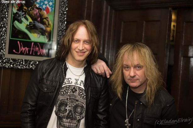 Nic Maeder et Leo Leoni, chanteur et guitariste de Gotthard. Le 24 février au Hard Rock Café (Paris)