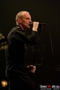 Arno, chanteur des Sales Majestés. Concert de St Vallier, 28 septembre 2013.