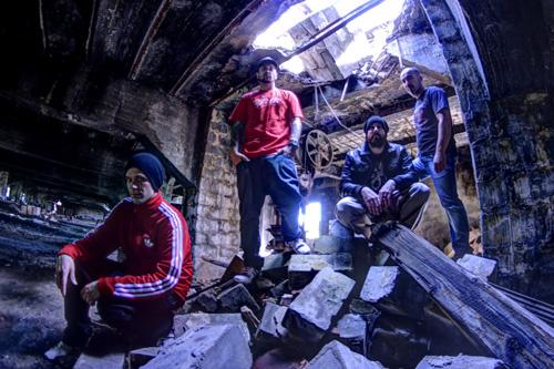 Breed Machine, avec de gauche à droite : Kriss (basse), Mike (chant), Ja (guitare) et Deub (batterie)